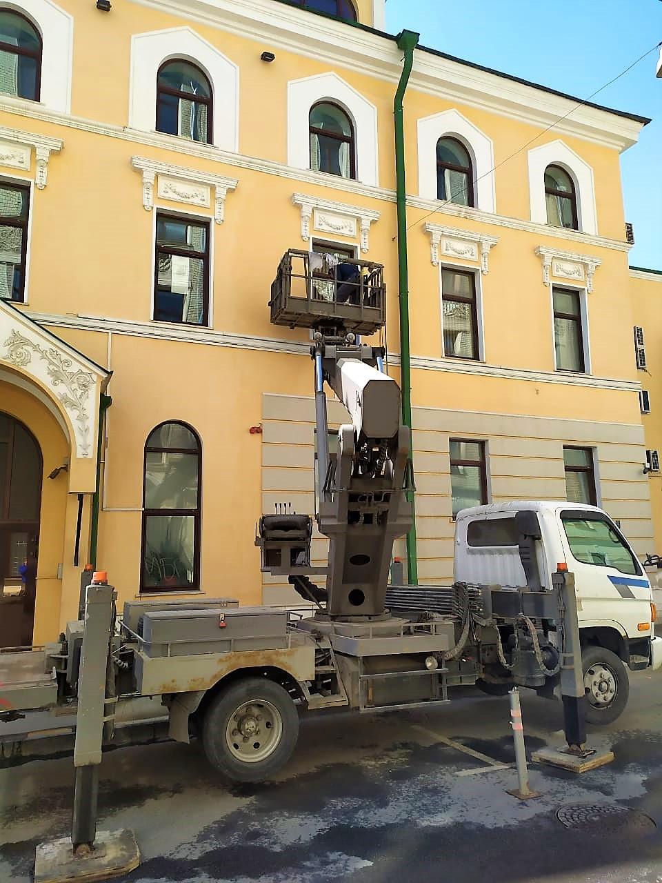 Аренда автовышки Для фасадных работ